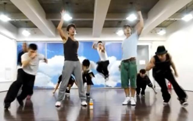 『MAXIMUM』は東方神起5人時代に発表する楽曲だった?