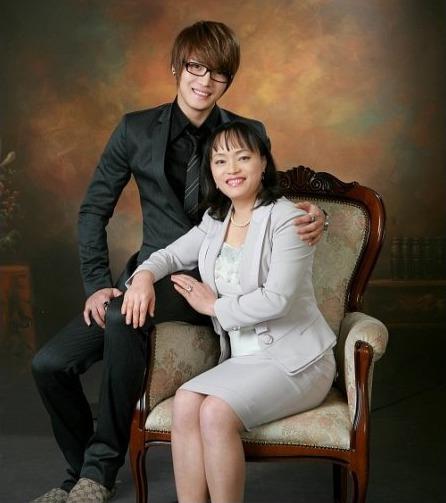 東方神起ジェジュンの実の親はどんな人?似ている?